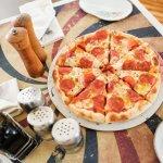 Pizza al horno de piedra en CIRCO Salitre