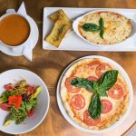Pizza y lasagna al horno de piedra en Barrio Granada