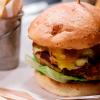 Los viernes son los días de la hamburguesa en Medellín