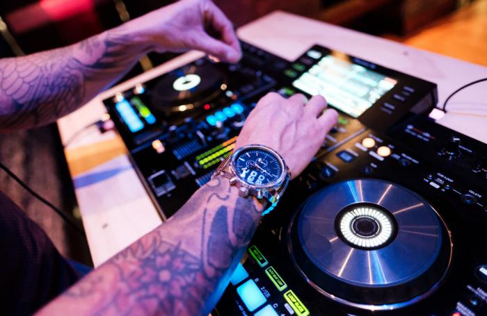 Playlists para estar en casa curadas por Marriott Colombia